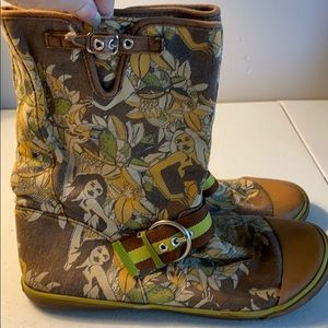 Sugar canvas boots